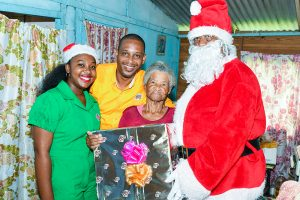 Rubis distributes food baskets to the needy